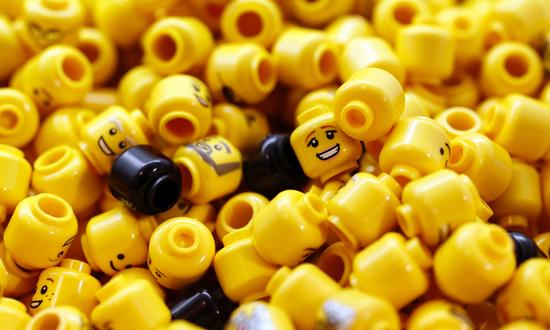 LEGO樂高玩具品牌, 扭轉劣勢風靡全世界